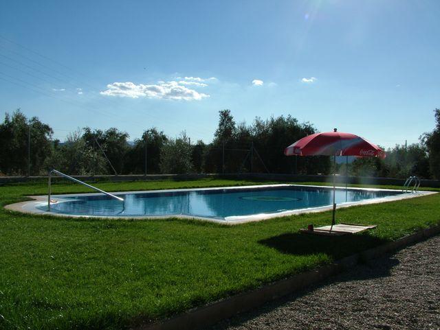 con rebosadero piscinas cirino