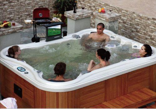 Instalar spa de mueble o construir spa de obra piscinas for Fotos de jacuzzi en jardines