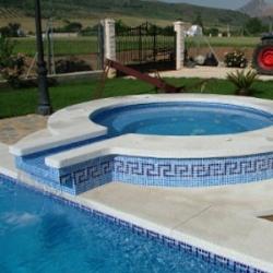 Instalar spa de mueble o construir spa de obra piscinas for Complementos piscinas desmontables