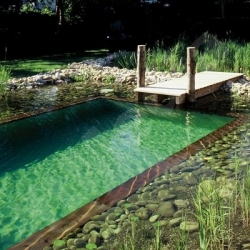 claves para construir una piscina con espacios ecol gicos On piscinas ecologicas como construir